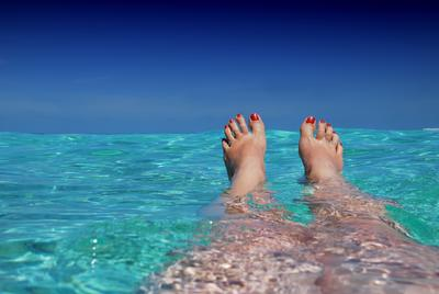 The 7 BIGGEST myths about your feet, exposed!